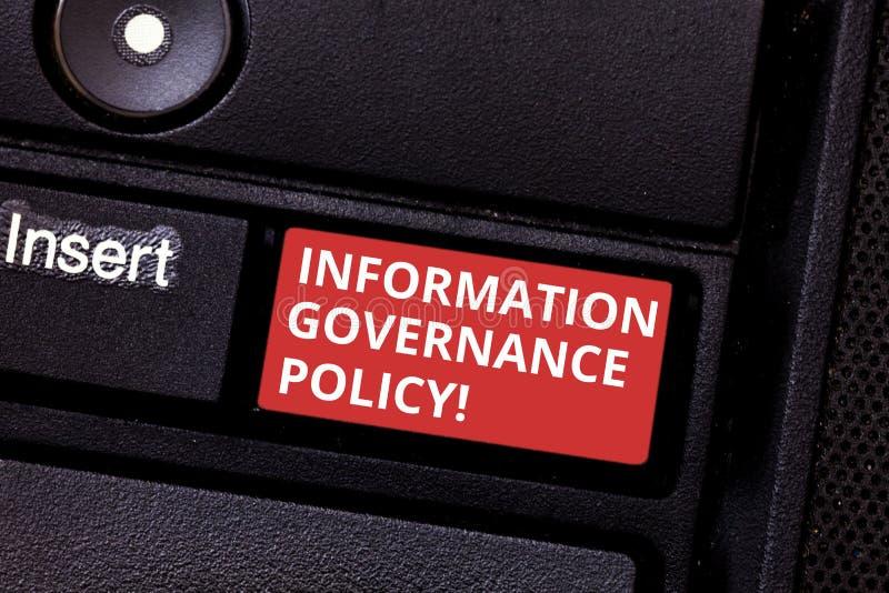Texttecken som visar informationsmaktpolitik Begreppsmässiga fotonormal eller metrik, i bruk av informationstangentbordet arkivbilder