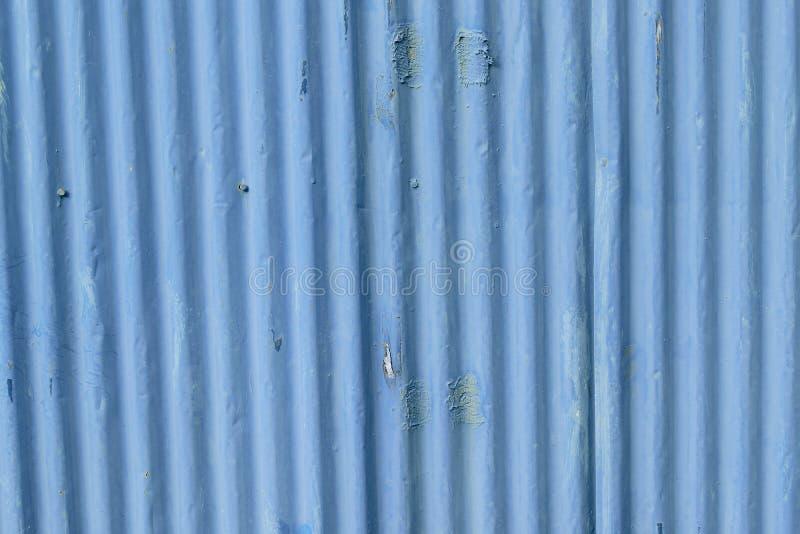 Textur av det metalliska blått färgade järnarket fotografering för bildbyråer