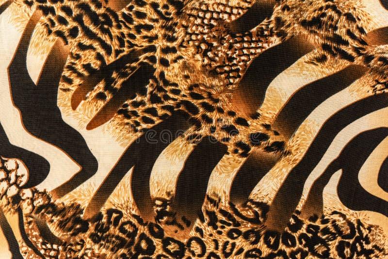 Textur av trycktyg gjorde randig sebran och leoparden royaltyfria foton
