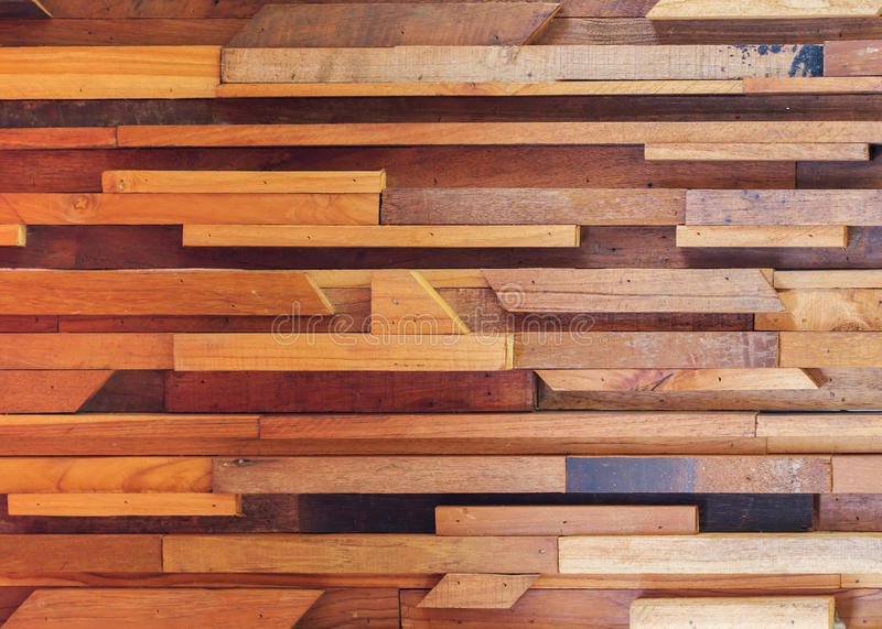 Textur för vägg för timmerträbrunt pinne använd arkivbild
