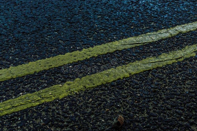 Textura bonita da estrada na noite imagens de stock