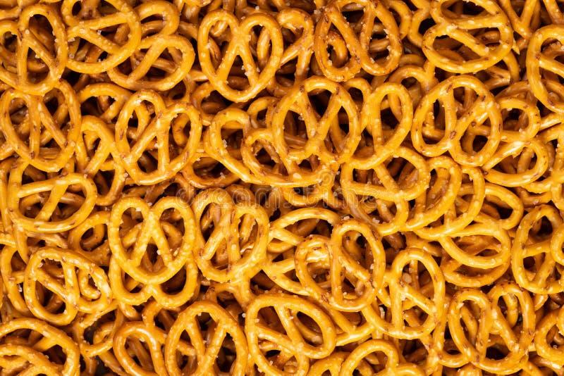 Textura cocida del fondo de los pretzeles foto de archivo