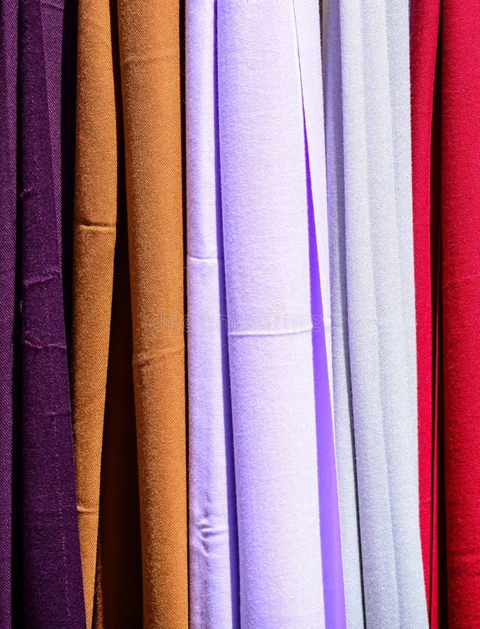 Textura colorida dos scarves foto de stock