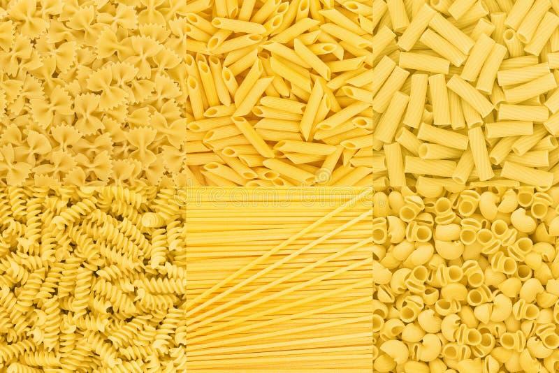 Textura crua do fundo da coleção do alimento da massa italiana espaguete imagem de stock
