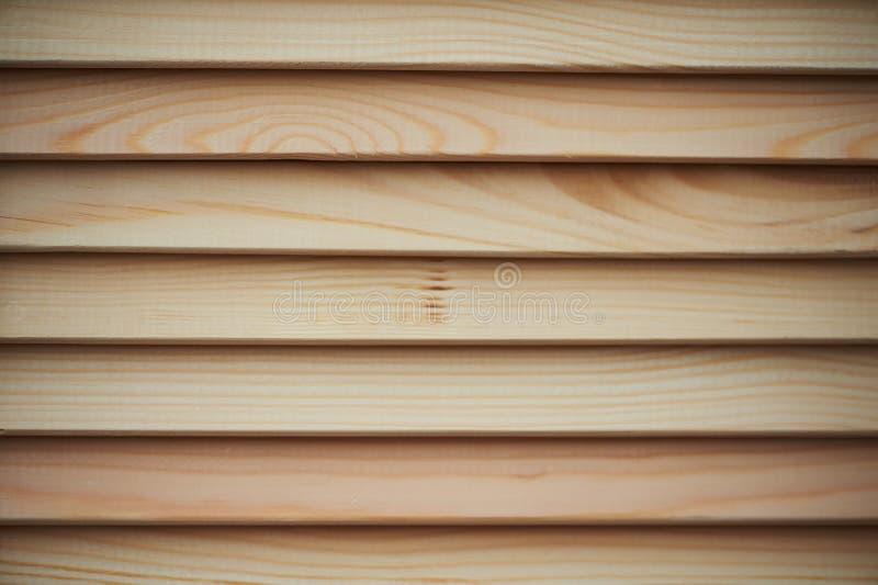 A textura das cortinas na árvore Madeira não processada, luz, pinho fotografia de stock