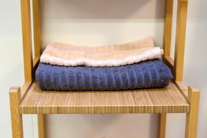 Textura de bambu da placa de corte, fundo de madeira fotos de stock royalty free