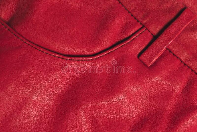 Textura de cuero roja de la ropa Bolsillo cosido foto de archivo libre de regalías