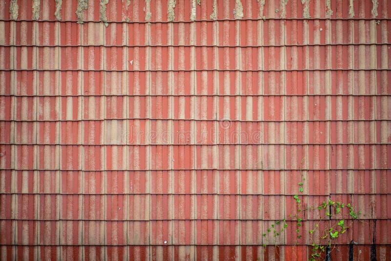 Textura de la opinión superior de tejado del modelo rojo de la teja fotografía de archivo