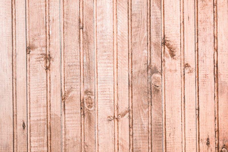 Textura de la pared hecha de los paneles de madera verticales naturales imagen de archivo libre de regalías