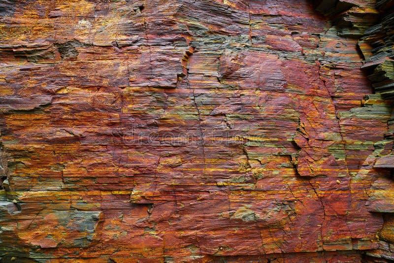 Textura de la piedra de la pizarra en los catedrales Ribadeo de los las de Playa foto de archivo