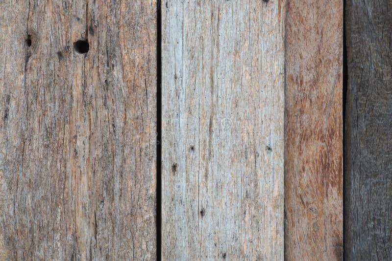 Textura de madeira do marrom escuro com fundo natural do teste padr?o listrado imagem de stock royalty free