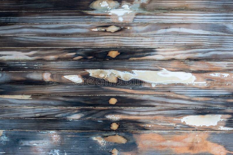 Textura de madeira molhada da casca lixada do barco imagens de stock royalty free