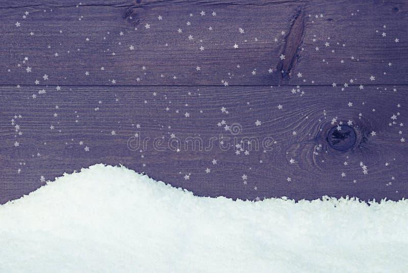 Textura de madera con nieve, estilo del vintage, copos de nieve foto de archivo