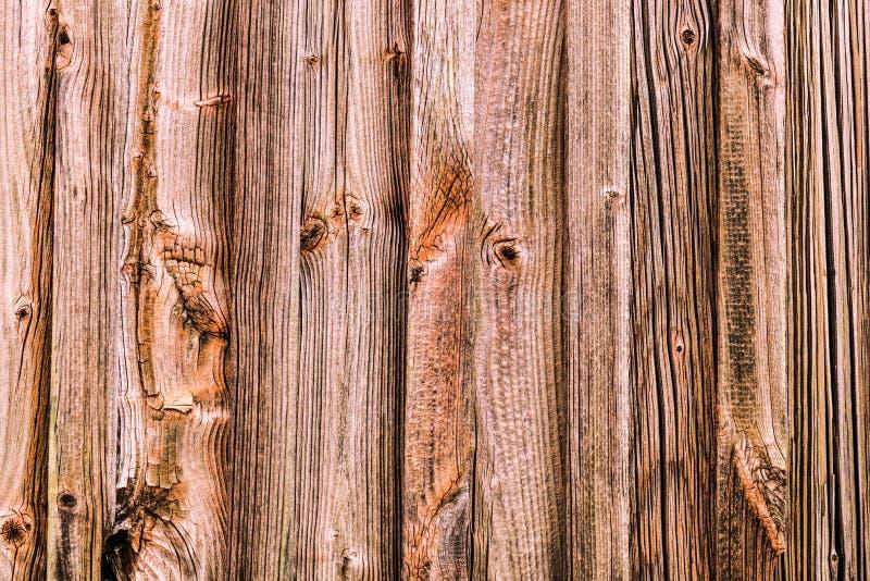 Textura de madera del fondo Superficie de madera resistida de una pared del granero imagen de archivo libre de regalías