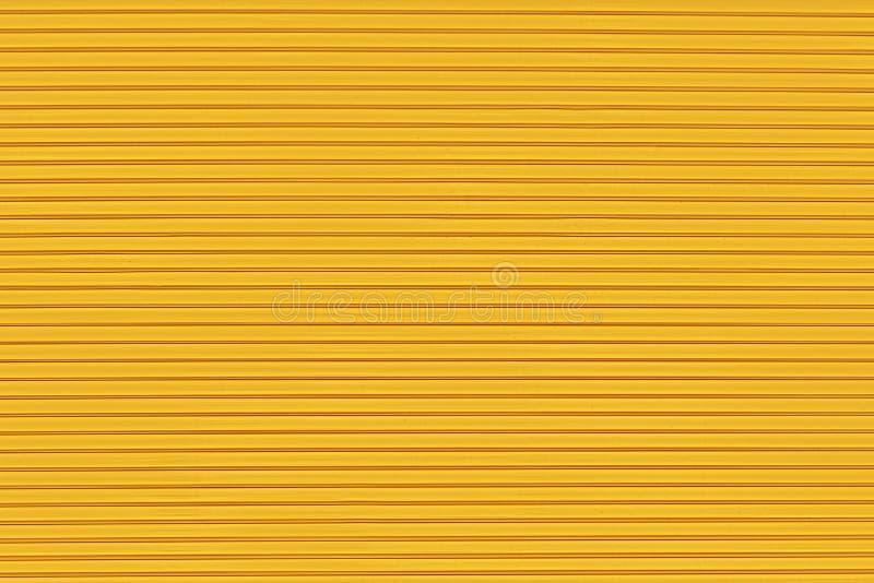Textura de superfície sob a forma das linhas paralelas em um fundo amarelo ilustração do vetor