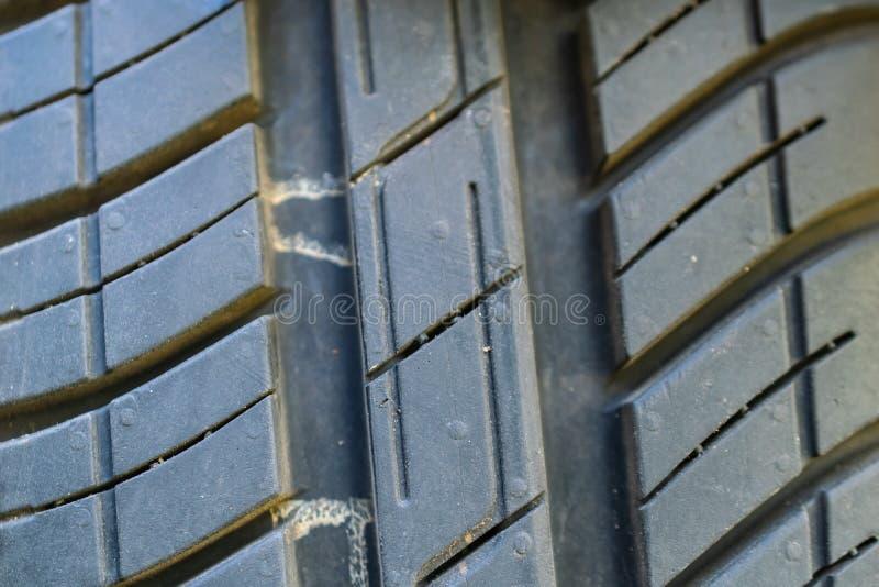 Textura de um passo do pneu do verão fotos de stock royalty free