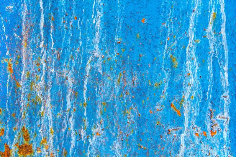 Textura de una pared azul del metal viejo con el moho, rasguños, grietas, manchas imagen de archivo libre de regalías