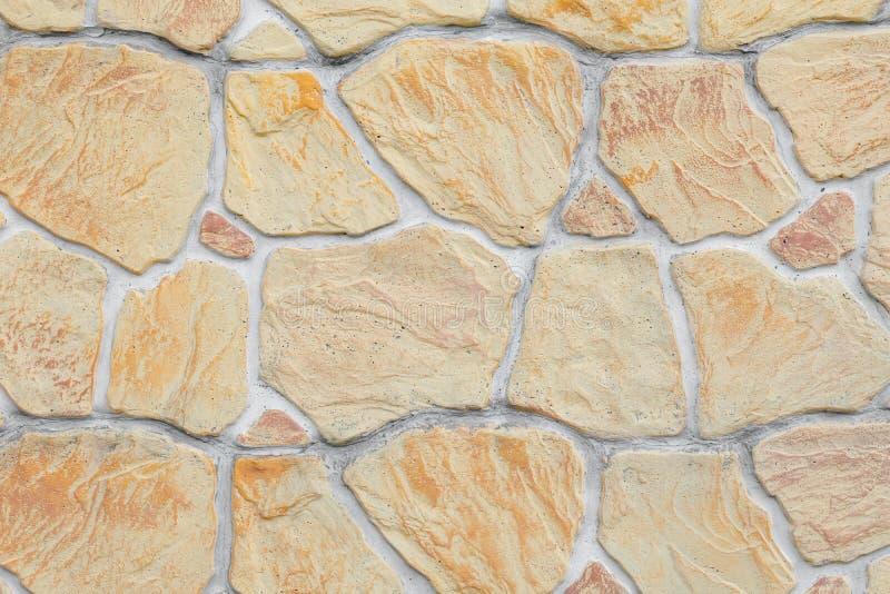 Textura De Una Pared De Piedra Artificial Piedras Beige En Cemento Valla Decorativa Imitando A La Albañilería Imagen De Archivo Imagen De Beige Cemento 193528807