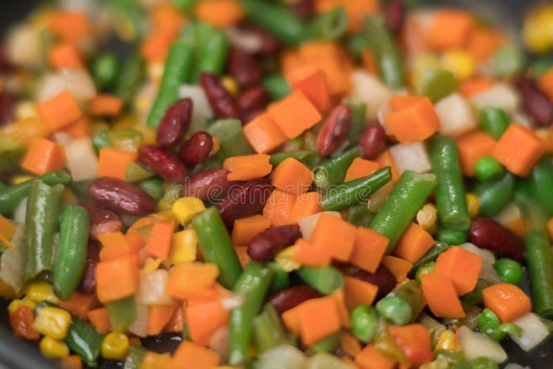 Textura de verduras cortadas en cuadritos frescas imagenes de archivo