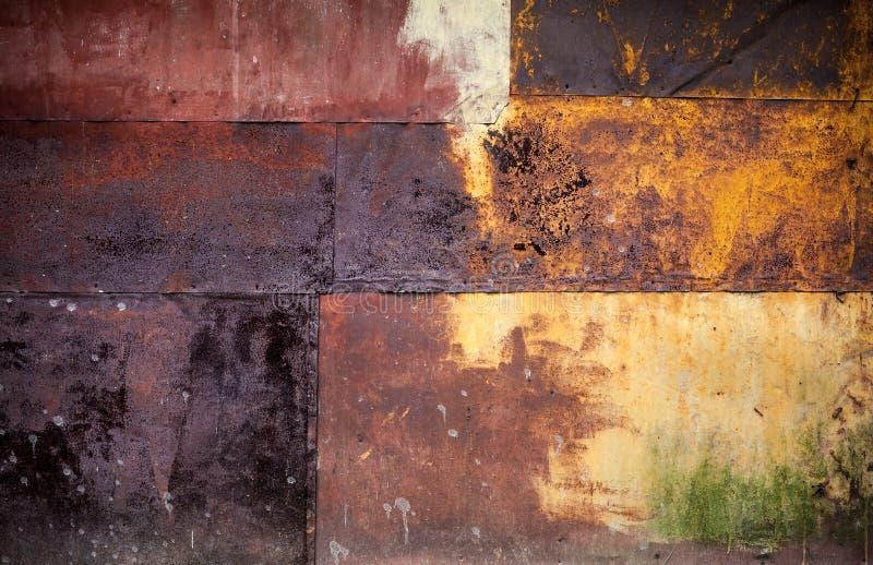 Textura detallada aherrumbrada del grunge de la pared colorida del metal fotos de archivo libres de regalías