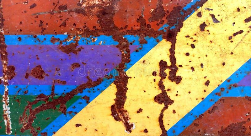 Textura do ferro oxidado, pintura rachada em uma superfície metálica velha foto de stock