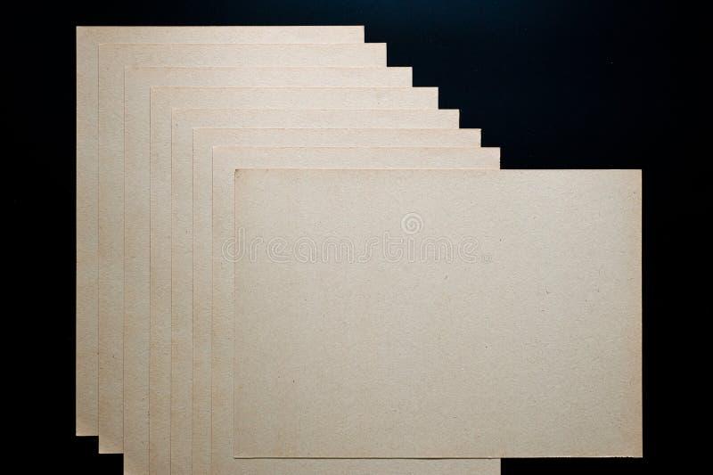 A textura do papel grosseiro, um pacote de cartão fotografia de stock