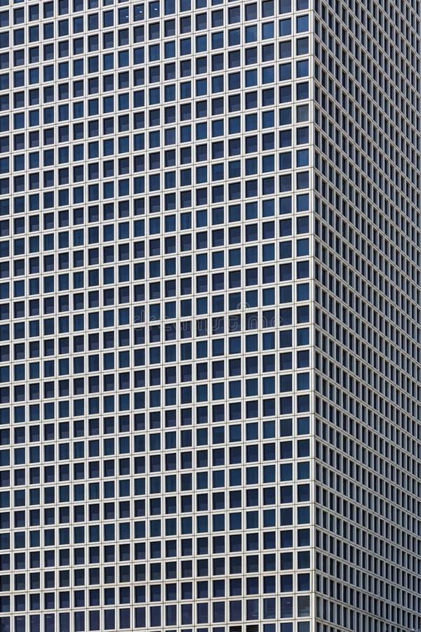 Textura exterior de las ventanas y de los pisos del edificio moderno imágenes de archivo libres de regalías