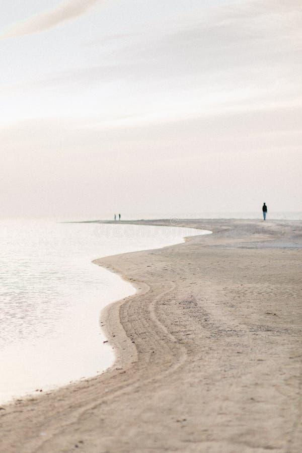 Textura hermosa, arena ondulada en el océano imagen de archivo libre de regalías