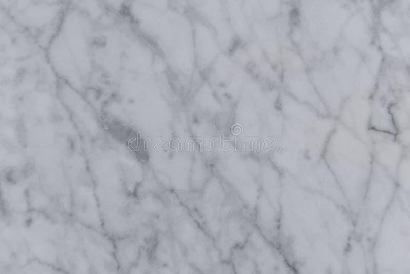 A textura horizontal é mármore branco com as veias cinzentas e pretas imagem de stock royalty free