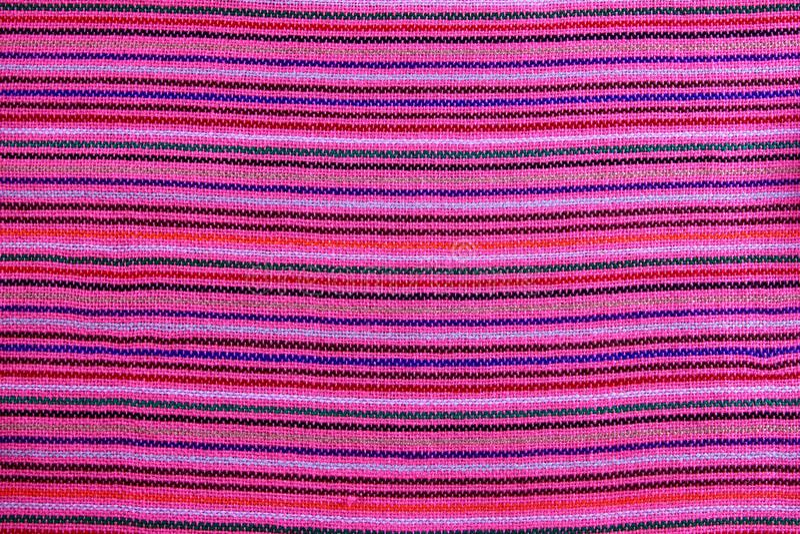 Textura macra rosada vibrante de la tela del serape mexicano imagen de archivo libre de regalías