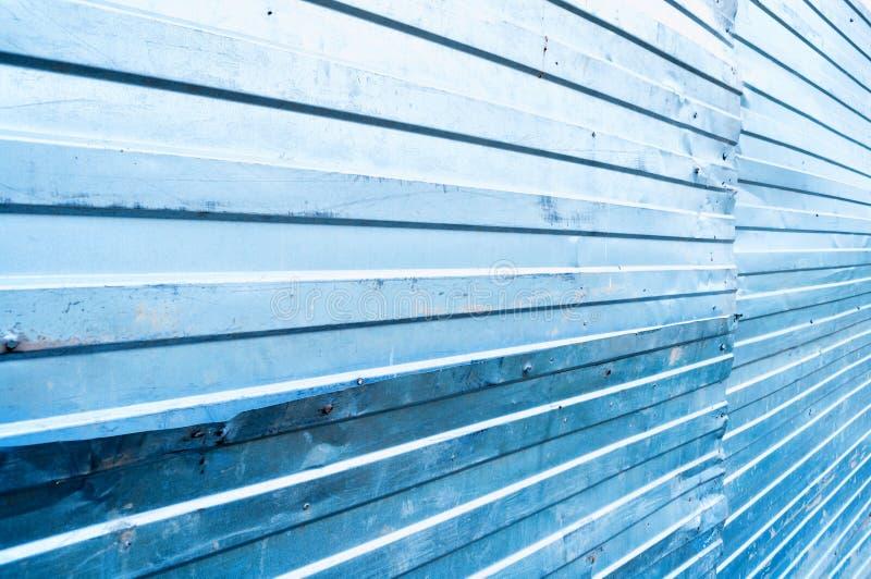Textura ondulada do metal do zinco fundo industrial do metal do grunge fotos de stock