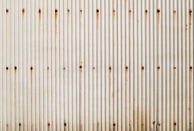 Textura ondulada oxidada do metal fotografia de stock royalty free