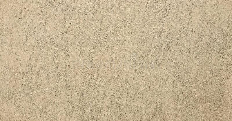 Textura pintada suja da parede como o fundo O fundo concreto rachado da parede do vintage, branco velho pintou a parede Pai lavad foto de stock