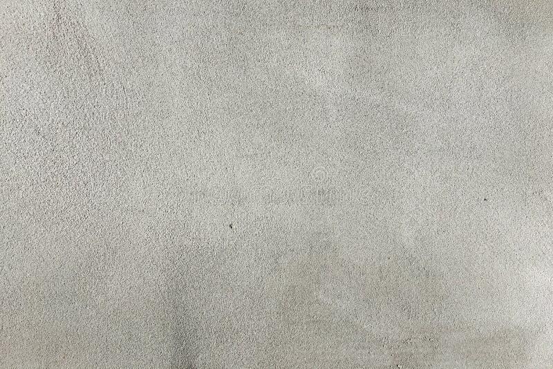 Textura pintada suja da parede como o fundo O fundo concreto rachado da parede do vintage, branco velho pintou a parede Pai lavad fotografia de stock