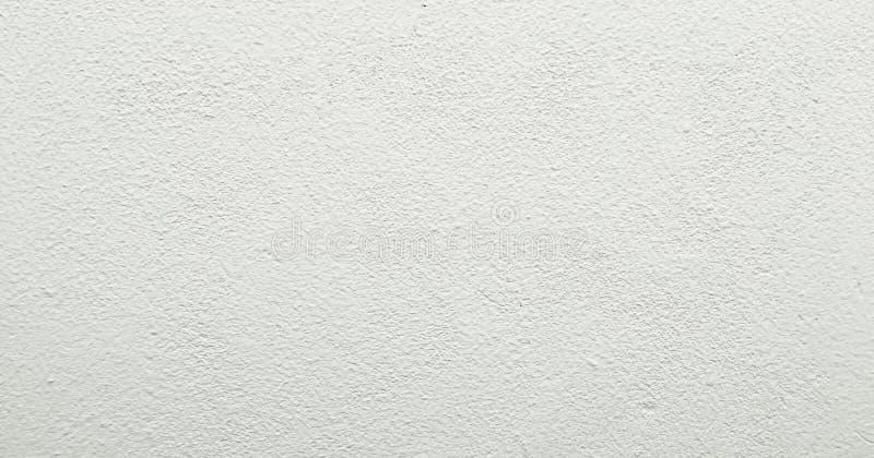 Textura pintada suja da parede como o fundo O fundo concreto rachado da parede do vintage, branco velho pintou a textura da pared fotografia de stock