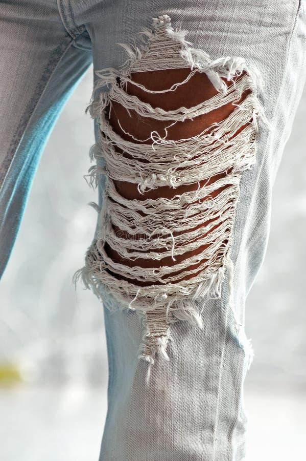 Textura raída de los pantalones vaqueros imagen de archivo libre de regalías