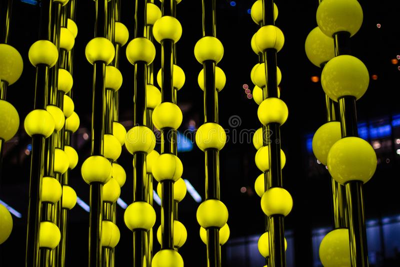 A textura redonda clara amarela das luzes do tequilet fotos de stock