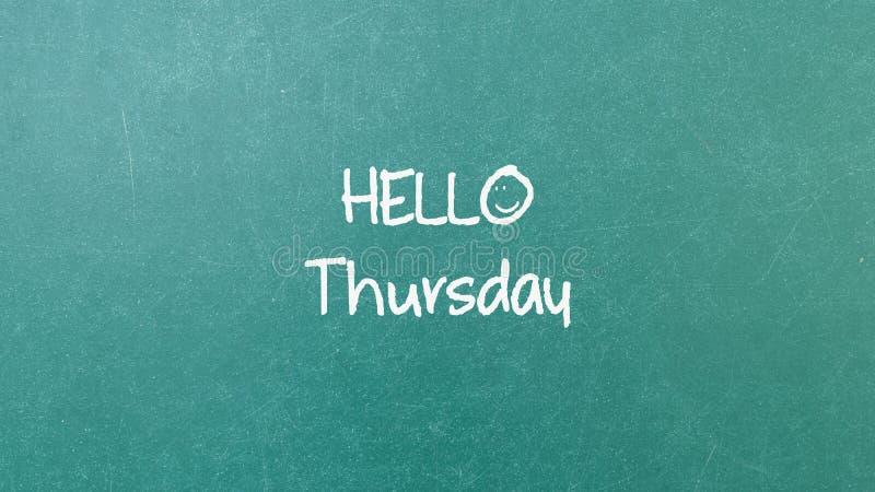 Textura verde da parede do quadro-negro com uma palavra olá! quinta-feira imagens de stock royalty free
