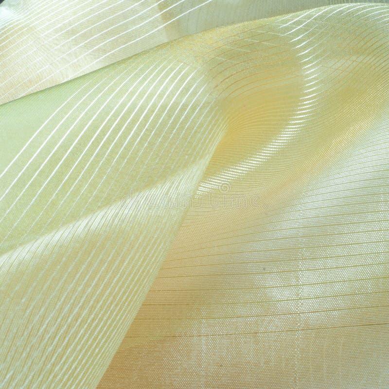 textura verde de la tela de seda, colorante de la ensalada foto de archivo