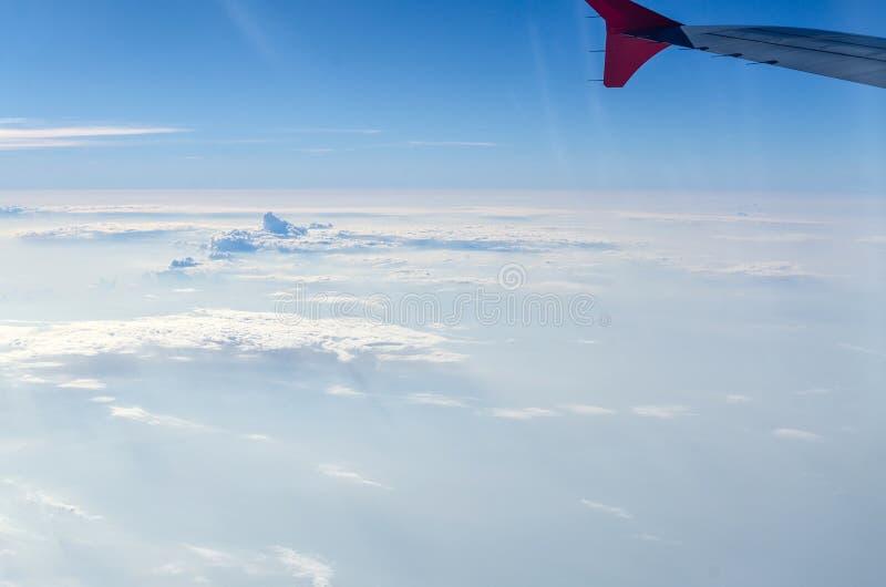 textura y fondo blancos de la nube en el cielo fotografía de archivo libre de regalías