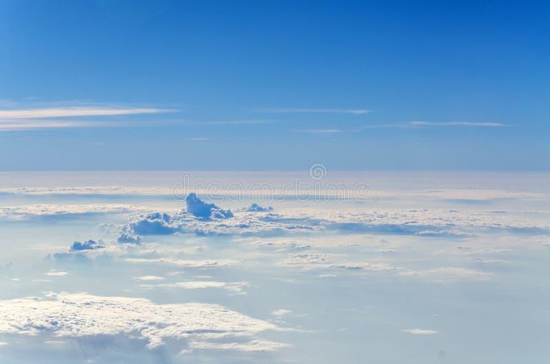 textura y fondo blancos de la nube en el cielo foto de archivo