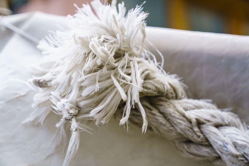Texturas da corda no porto fotografia de stock