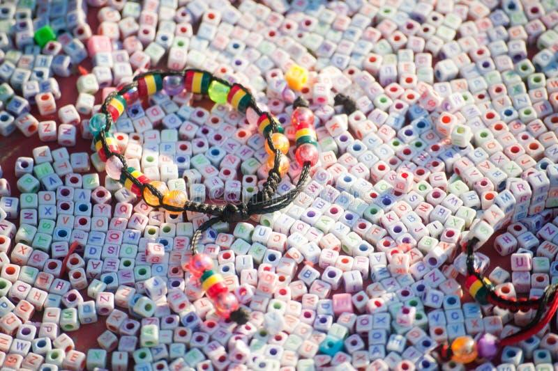 Texturas de la pulsera plástica colorida imágenes de archivo libres de regalías