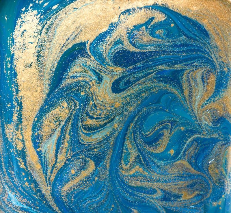 Texture bleue, verte et d'or de liquide Fond de marbrure tiré par la main Modèle abstrait de marbre d'encre illustration libre de droits