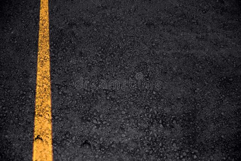 Texture d'asphalte de route avec la ligne du trafic pour le transport photographie stock libre de droits