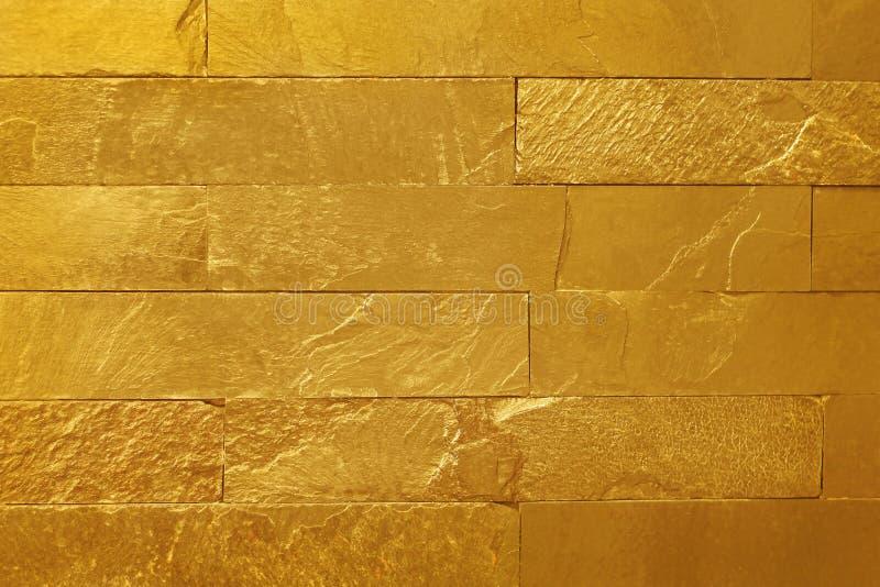 Texture d'or de mur en pierre d'ardoise dans le mod?le naturel avec la haute r?solution pour l'oeuvre d'art de fond et de concept image libre de droits