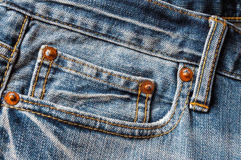 Texture de denim, poche de jeans pour le fond photos libres de droits