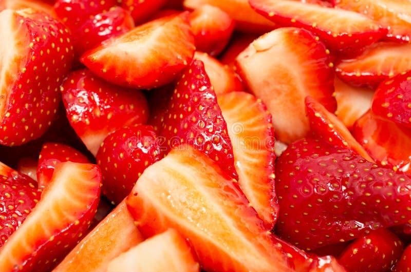 Texture de fond des fraises coupées en tranches photo libre de droits