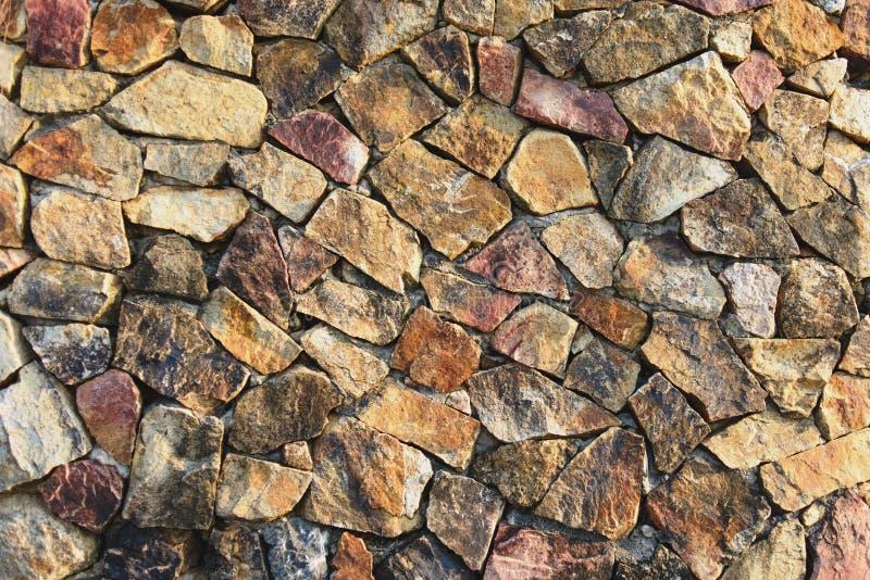Texture de fond du mur en pierre de roche criqu?e naturelle photo libre de droits