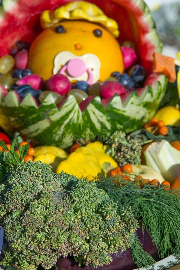 Texture de fond La vie toujours des légumes, berceau de bébé, l'eau photos stock